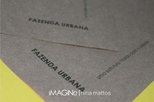 material impresso. Layout de Camila.